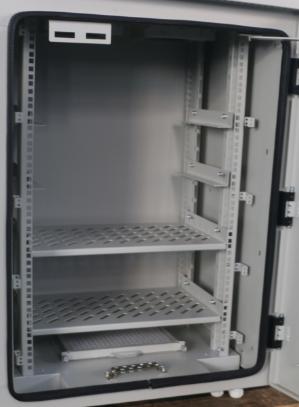 cc44cee217f Abrigo exterior personalizado metal das telecomunicações do BTS do armário  da cremalheira com porta dobro